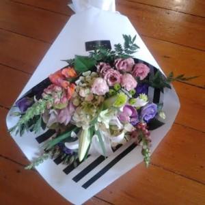 D2F Vintage Bouquet